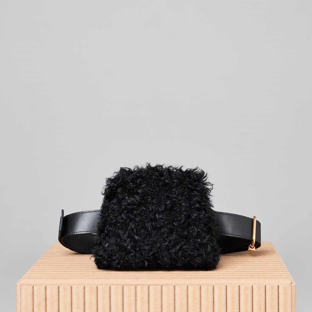 PEANUT BROT SHEEP HAIR [BLACK]